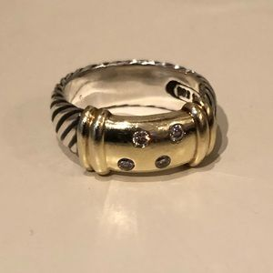 Crossover Wide Ring w. Diamonds in 18K Yellow Gold